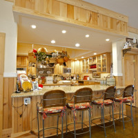 Kitchen & Dining at BLACKBERRY CREEK RETREAT B&B - SPRINGFIELD MO