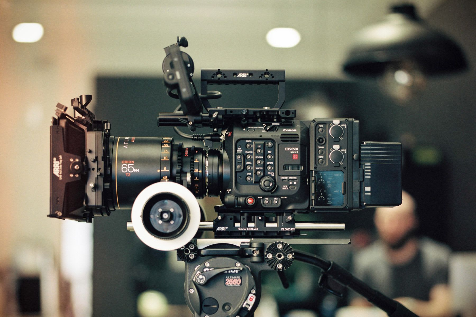 Canon C500 II with the optional EU-V2 expansion unit.