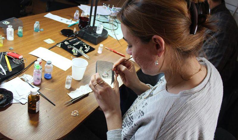 Ikorta: Georgia Art Workshop: Make Enamel Jewelry & Explore Local Culture