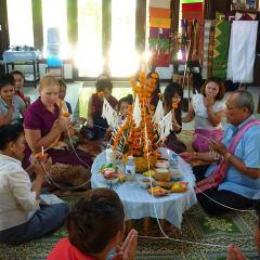 Vientiane tours - Baci ceremony