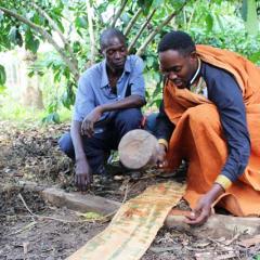 traditional African family - Uganda tradition
