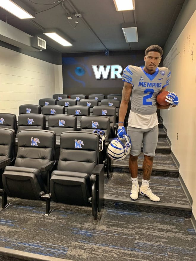 TigerSportsReport - Kundarrius Taylor commits to Memphis