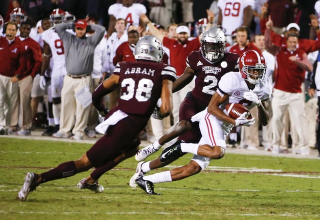 Tua Tagovailoa leaves with injured leg in Alabama's defeat of Mississippi State