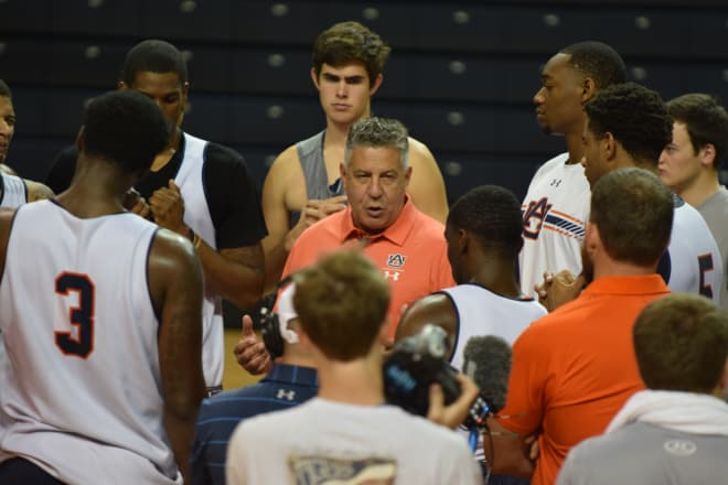 Bruce Pearl wants to 'learn and grow' in last tuneup before Maui
