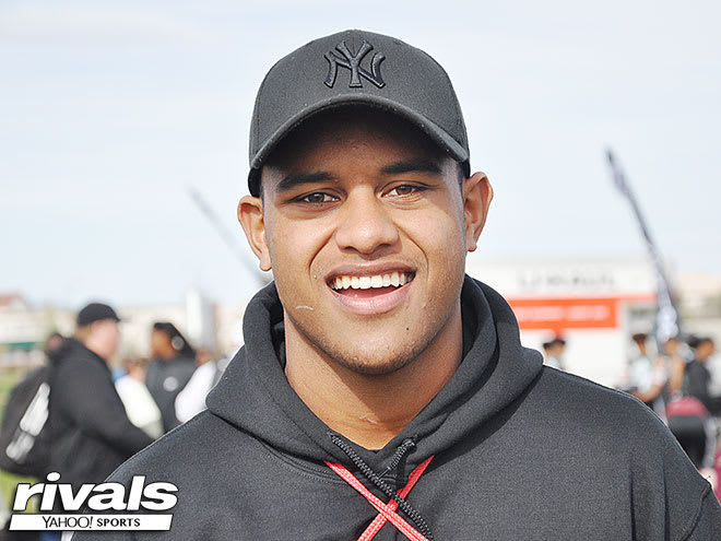 Tua Tagovailoa's younger brother, Taulia, commits to Alabama football