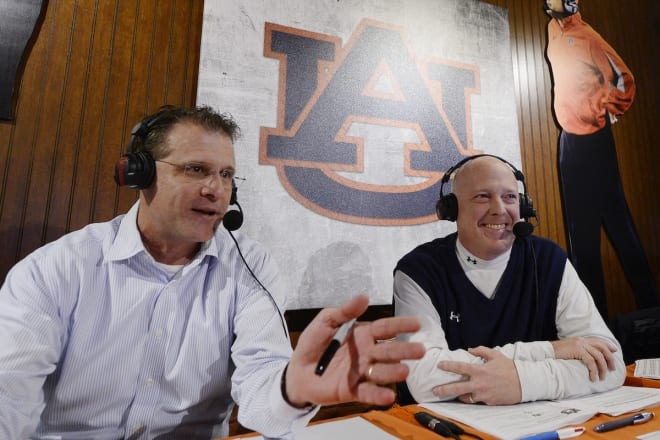 Auburn football's long-time radio voice, wife killed in rear-end crash