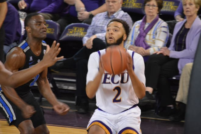 ECU's K.J. Davis finds an opening on the baseline in the first half of ECU's 79-69 loss to Memphis.