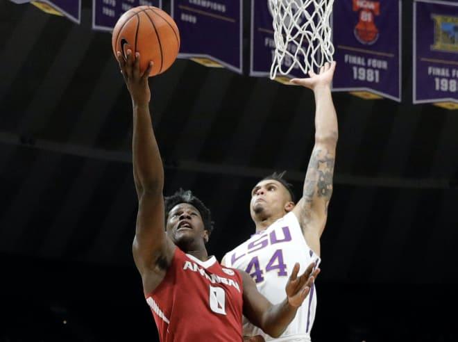 LSU basketball knocks off Arkansas, avoids three game skid