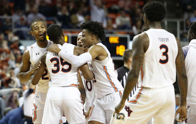 The great Cambridge night lifts No. 16 Auburn over SC