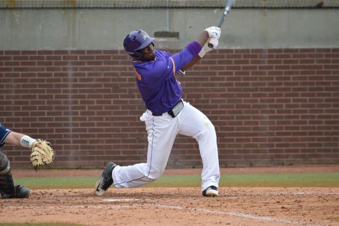 Dwanya Williams-Sutton had a solo home run in East Carolina 5-0 AAC win over Cincinnati.