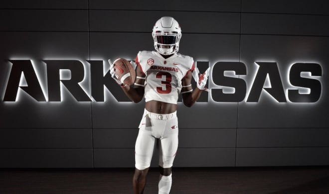 HawgBeat - Arkansas Lands Seventh 2020 Commit, Texas Wide Receiver