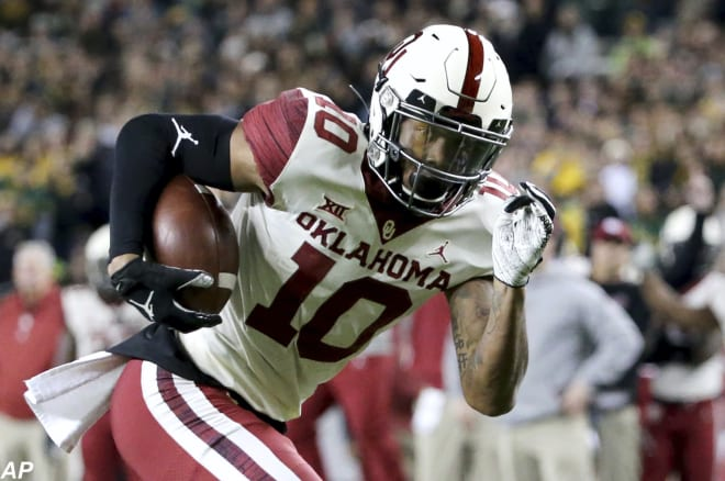 The Oklahoma Sooners Football Team Clinched A Huge 34 31 Win