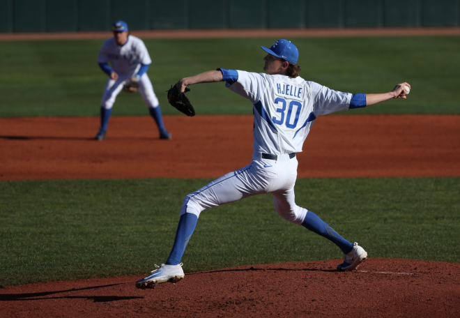 Kentucky hits early, often in 6-4 win over Ohio in NCAAs