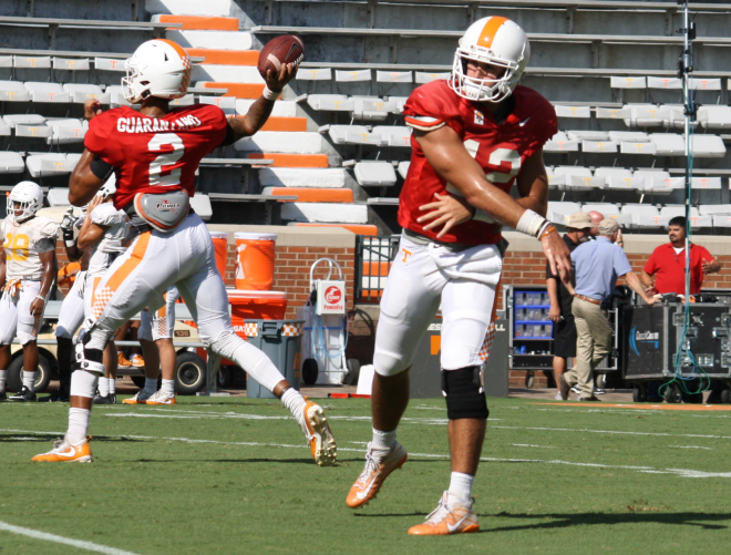 Tennessee to start redshirt freshman at QB against SC
