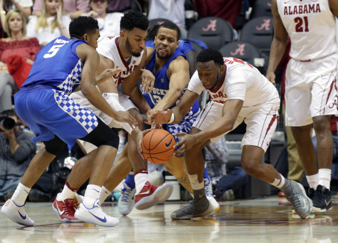 Images from the Kentucky Wildcats' 83-58 win over the Tennessee Volunteers