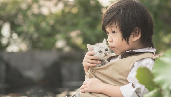 Animals help kids grow up happy and strong