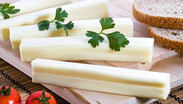 Low-fat cheese sticks