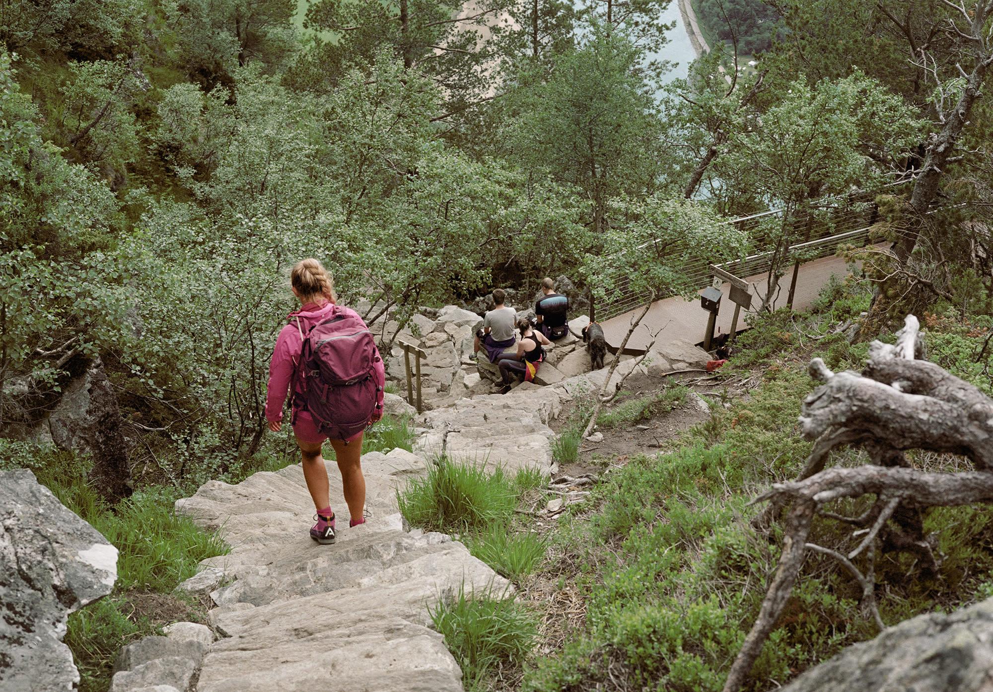 Romsdalseggen - Trappa ned fra Nesaksla