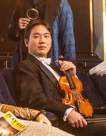 Frank Huang 215 x 275