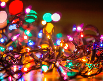 https://res.cloudinary.com/simpleview/image/upload/crm/newportri/Holiday-Lights_8dc9a629-5056-b3a8-49c4a51b540eb806.png