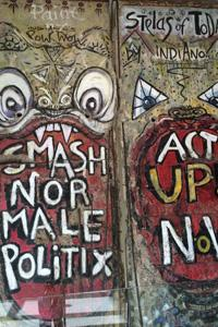 A close up of the writing on the Berlin Wall