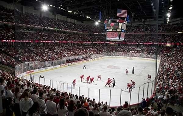 UW Men's Hockey vs. Penn State University