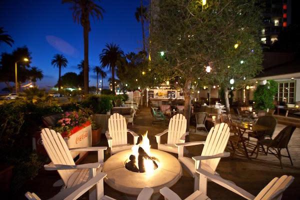 The Bungalow Santa Monica Outside Deck
