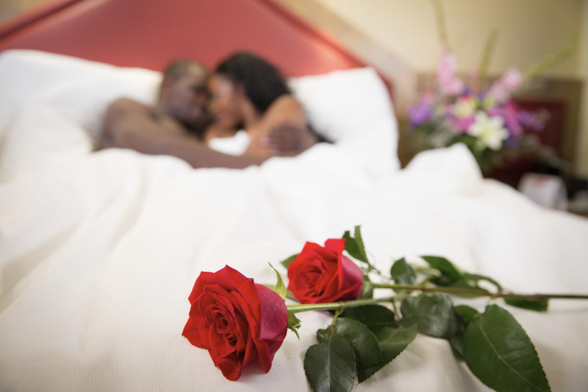 Romantic Couple Paradise Stream Resort 2 PoconoMtns