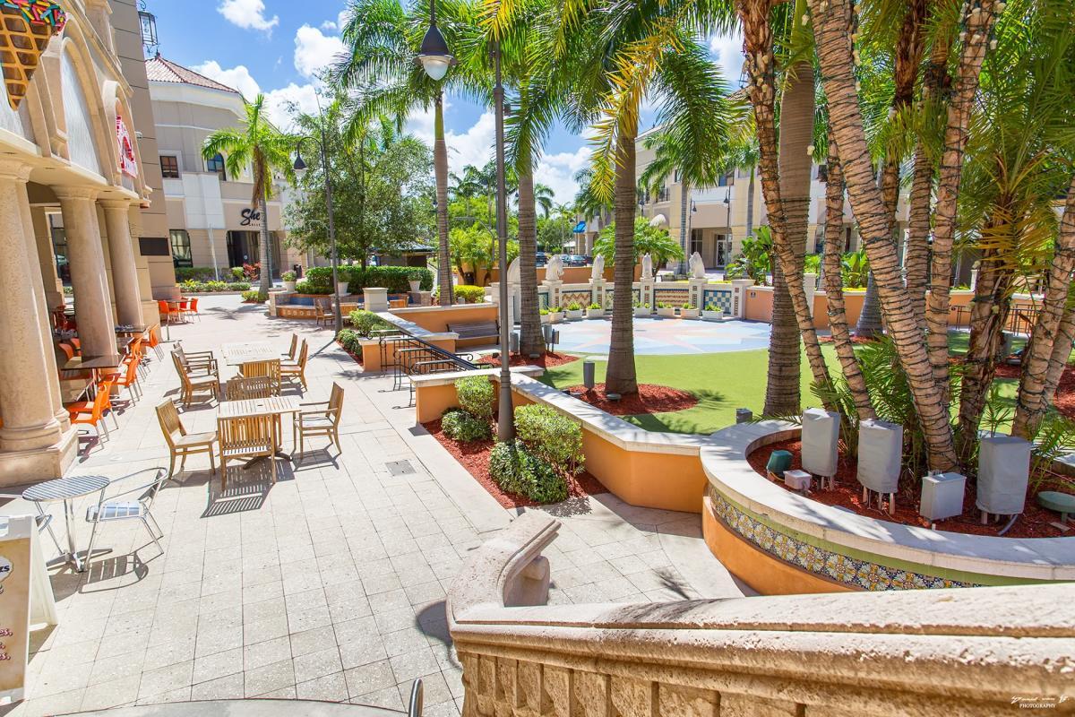 Gulfstream Park Courtyard