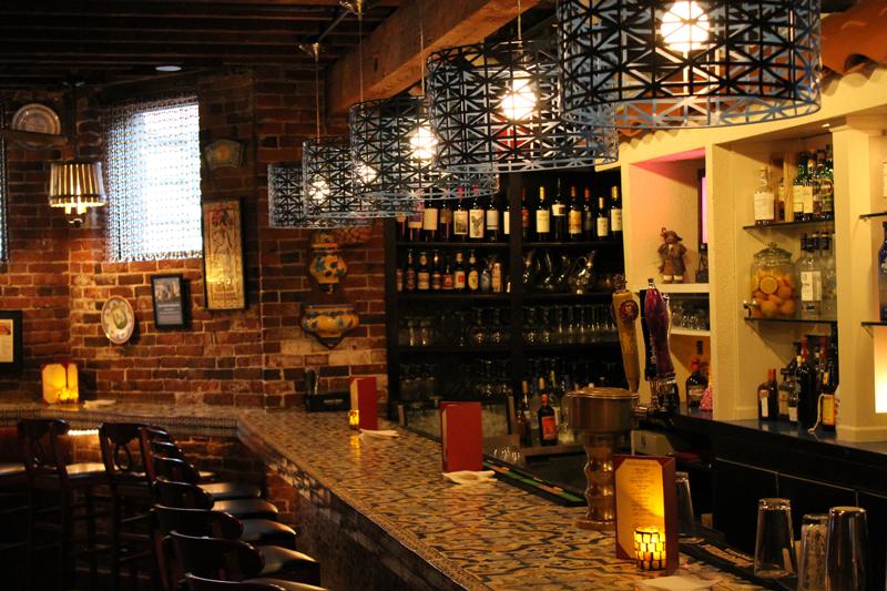Tapeo Restaurant & Tapas Bar