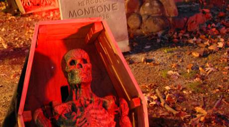 HAUNTED ATTRACTIONS - SCREAM MOUNTAIN