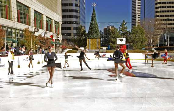 downtown-denver-ice-rink-skaters