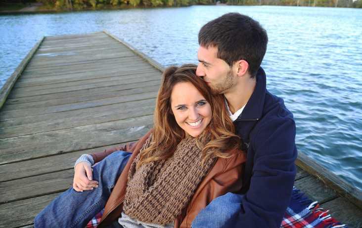 Kayla & Evan wedding picture on dock