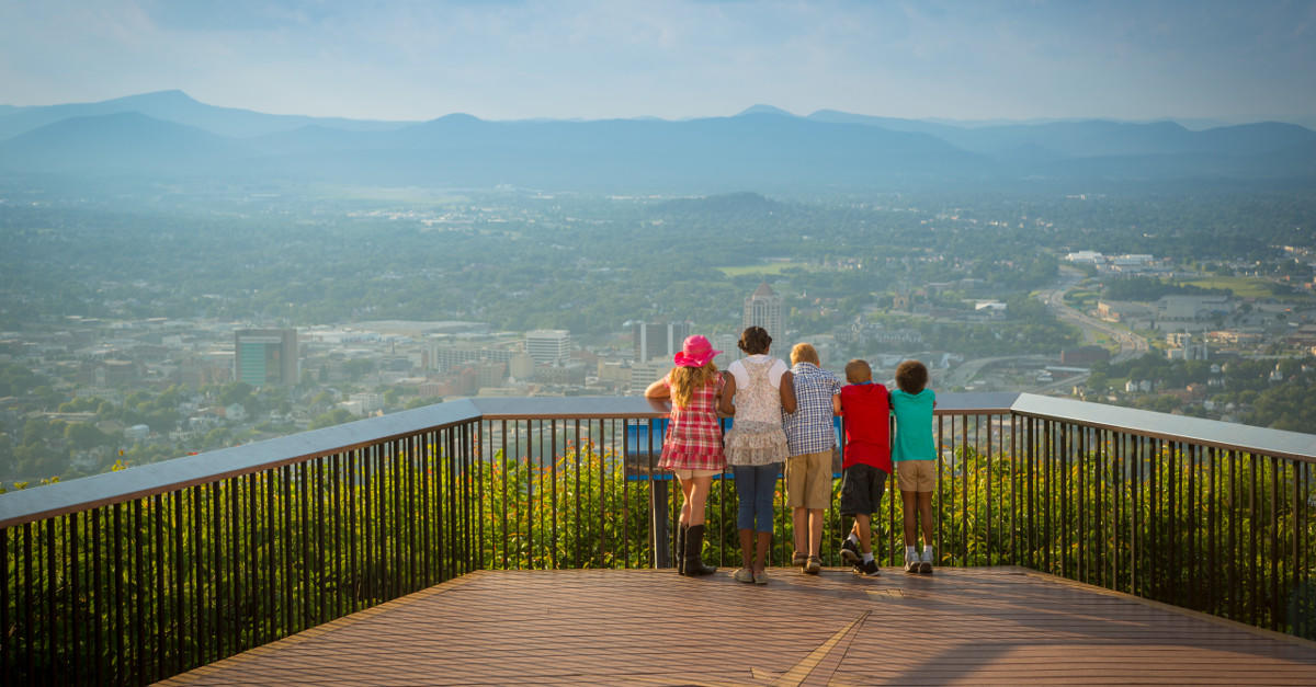 Things To Do In Roanoke Va Golf Amp Mill Mountain Zoo