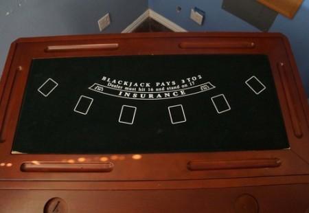 Game Table & Bar