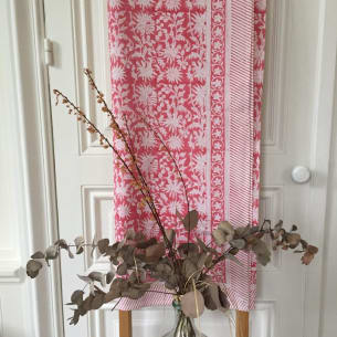 Table Cloth Pink Hibiscus 150x230 cm