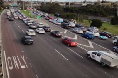 Congestion on eastern freeway melbourne 300x205
