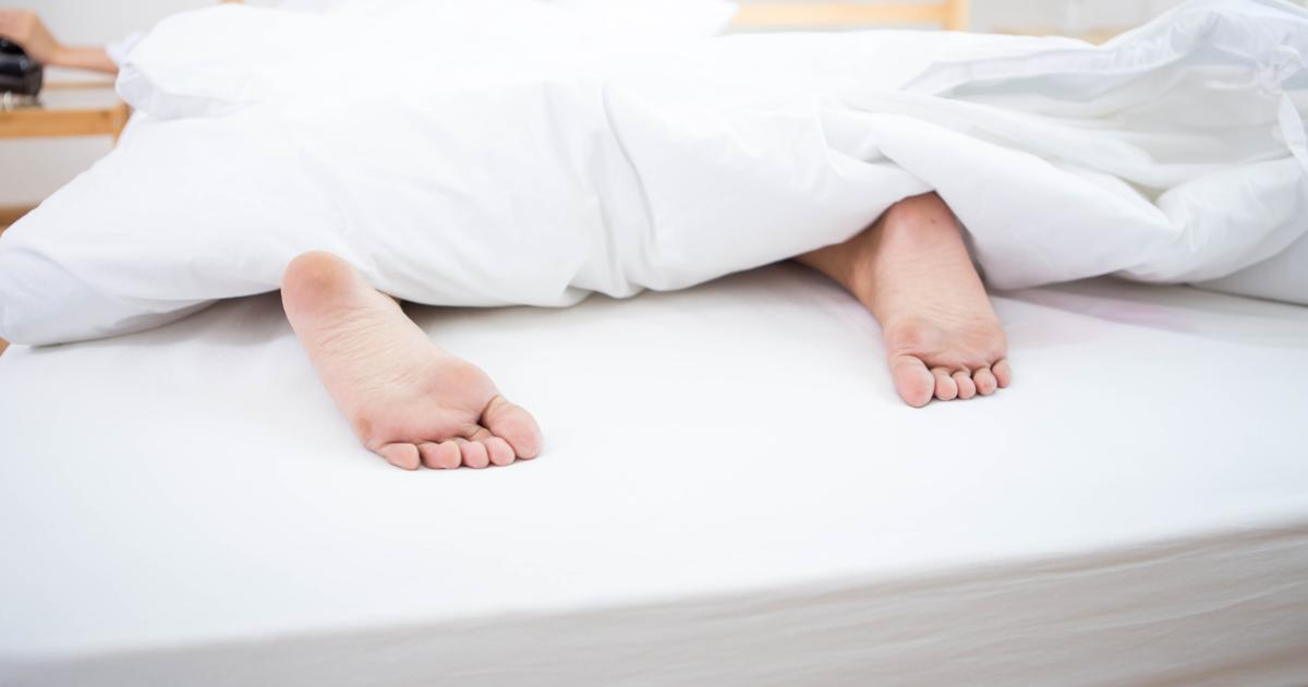 sleep indicator So, how would someone know if he or she had sleep apnea snoring is a major indicator, but not all symptoms are so obvious—and audible a dentist can detect the.