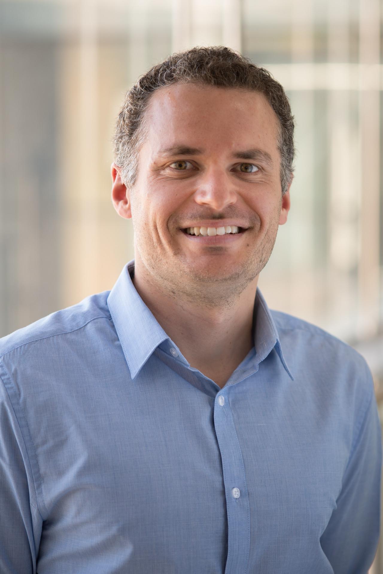 Dr Andrew Tilley
