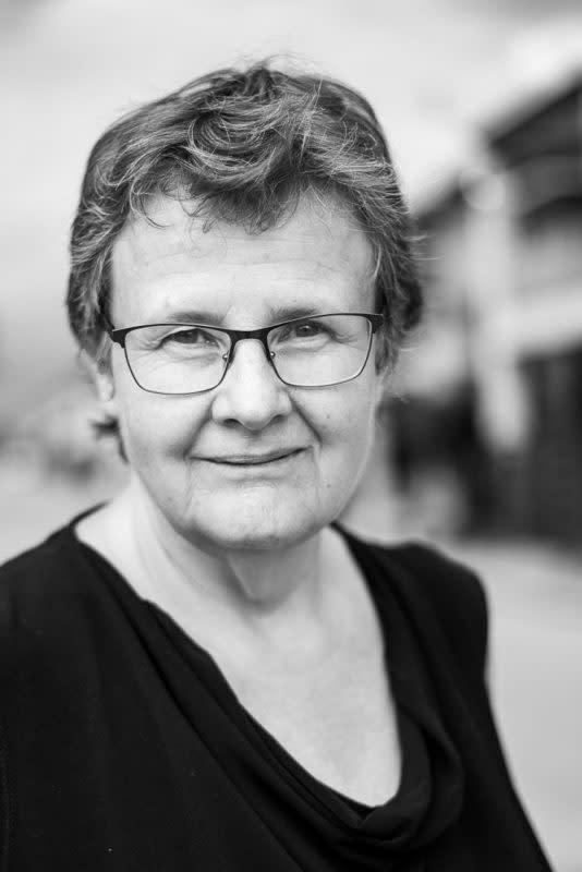 Associate Professor Margaret Simons