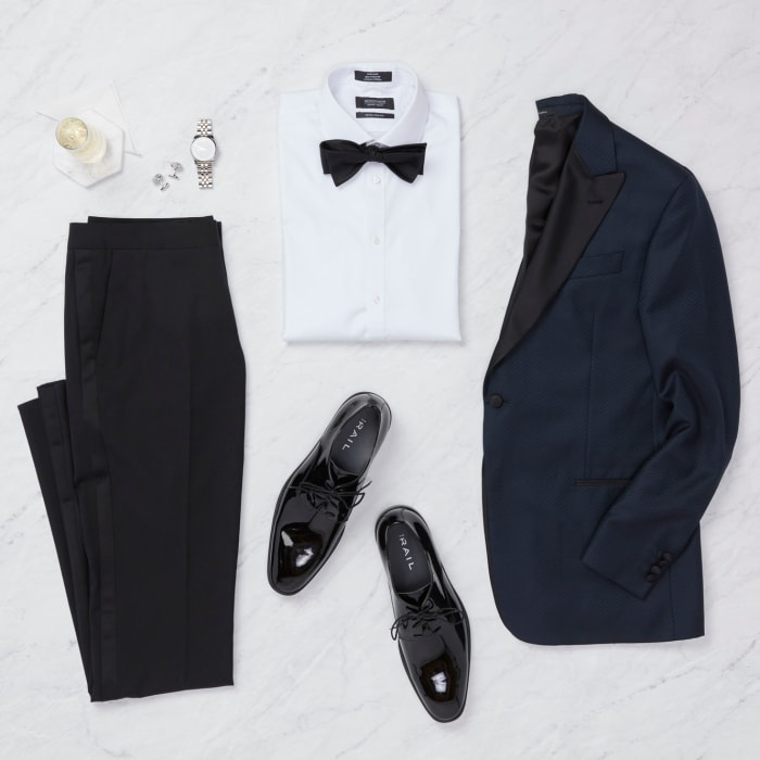 Wedding guest outfit for men