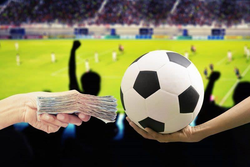 Có nên coi cá độ bóng đá online là một nghề kiếm sống không?
