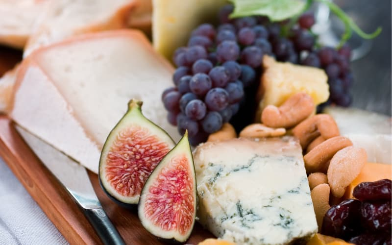 5 Tips for Preparing the Ultimate Cheese Board