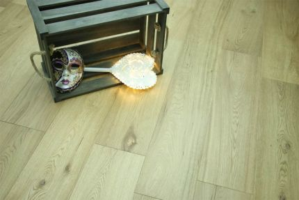 Natural Engineered Flooring Oak UV Lacquered 14/3mm By 240mm By 1900mm
