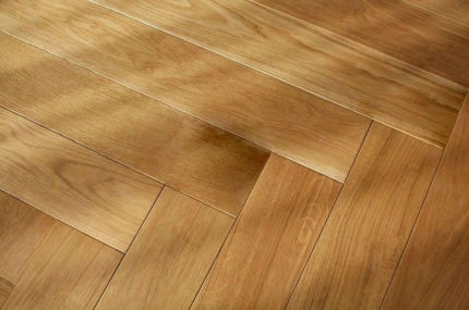 Prime Engineered Flooring Oak Herringbone Brushed UV Lacquered 14/3mm By 98mm By 590mm