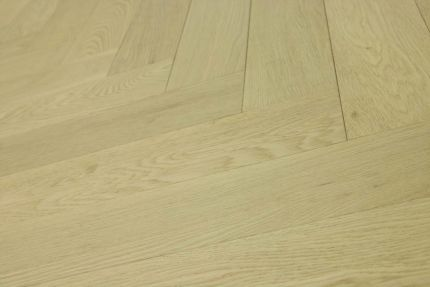 Prime Engineered Flooring Oak Herringbone Non Visible Brushed UV Oiled 15/4mm By 90mm By 600mm