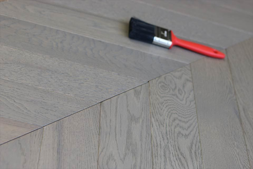 Prime Engineered Oak Chevron London Grey Brushed Uv Oiled 15 4mm By 90mm 610mm