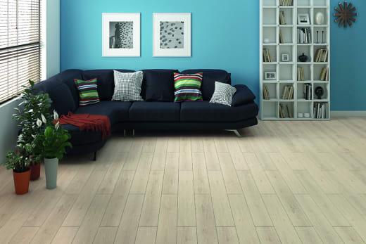 Light Moon Oak Laminate Flooring 8mm By 195mm By 1380mm