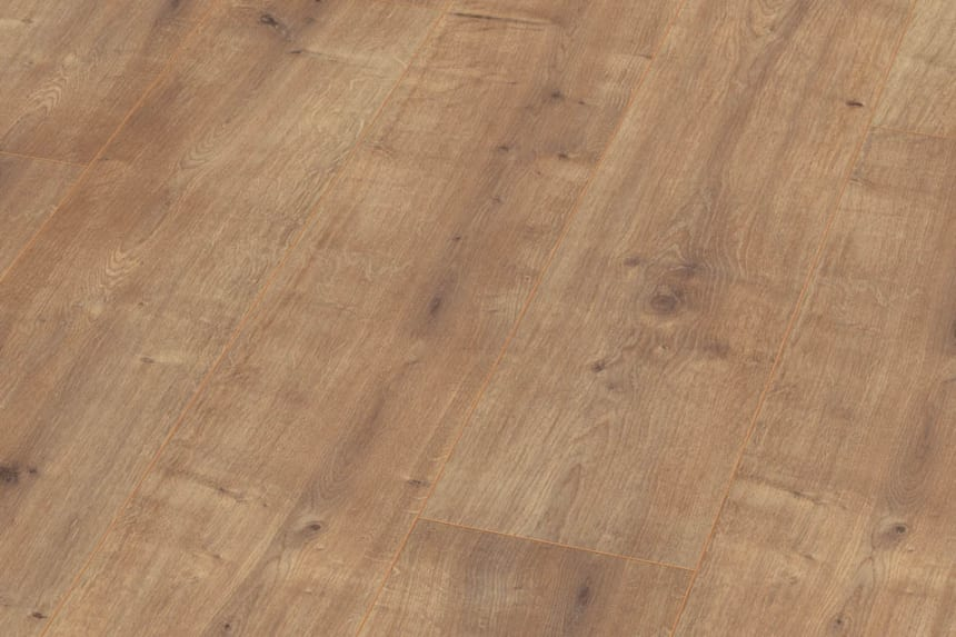 Roble Tobacco Oak Laminate Flooring 8mm By 194mm By 1331mm