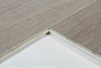 Select Engineered Flooring Oak Click Sole White Brushed UV Lacquered 14/3mm By 189mm By 1860mm